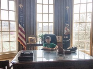 """Hanging out in the """"Oval Office"""