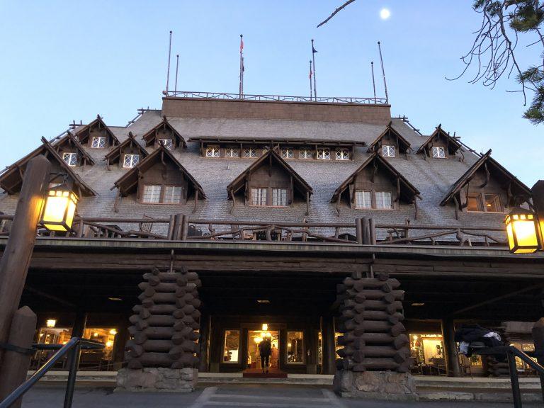 Old Faithful Inn in Yellowstone