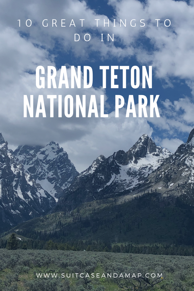 Planing a trip to Grand Teton National Park? Look no further than our list of ten stops you can't miss! Includes tips, hints and interactive map. #grandteton #wyoming #grandtetonnationalpark #nationalpark #familytravel #familyroadtrip #mountains #jennylake #chapel #jacksonhole #moultonbarn #hikes